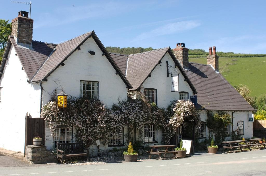 West Arms at Llanarmon